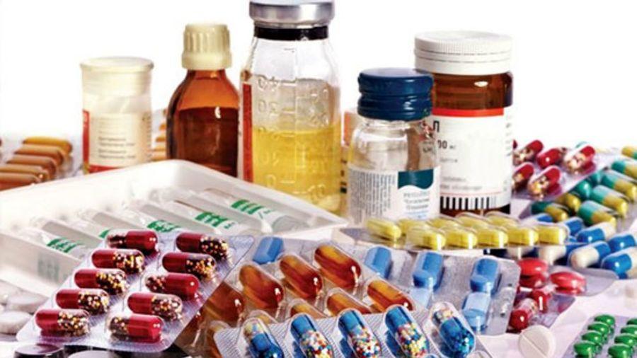 واردات دارو با دلار ۴۲۰۰ تومانی
