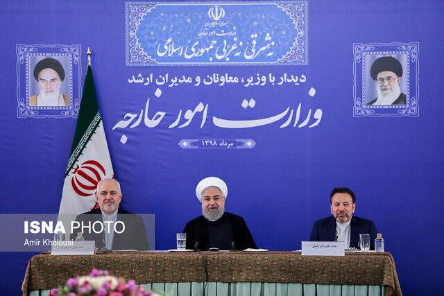 روحانی: ظریف با من هم مخالفت می کند