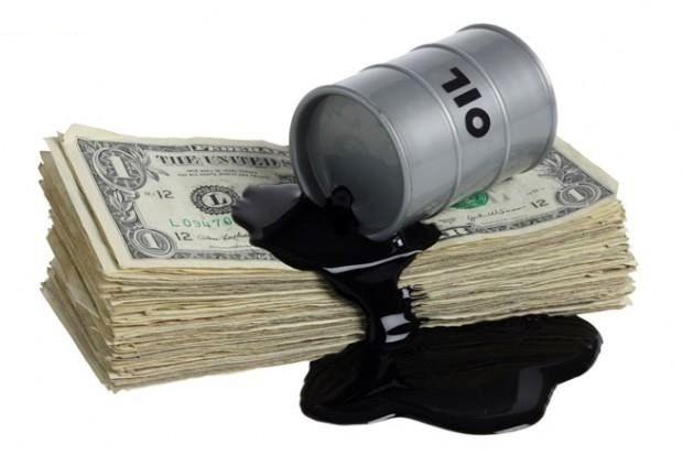 سایه تبعات جنگ تجاری بر بازار نفت/ نفت گران شد