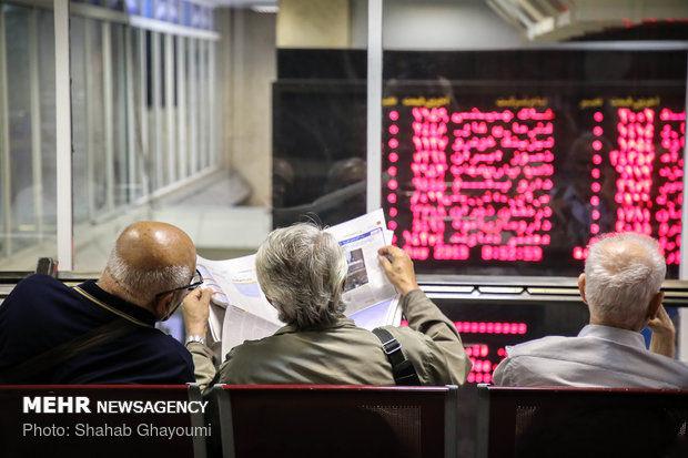 نفع بالای خریداران سهام از بازار/چه کسانی از کاهش شاخص ضرر کردند؟