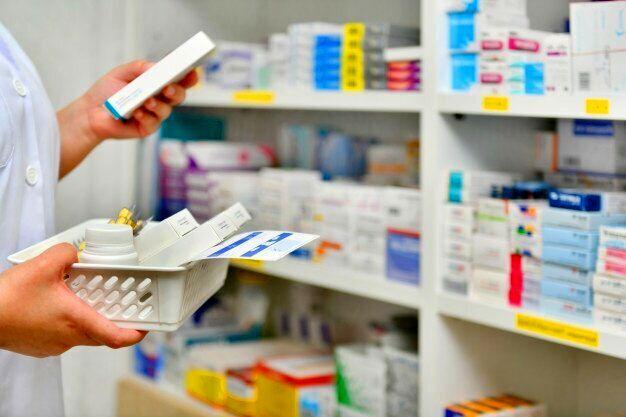 ماندگاری ارز ۴۲۰۰ تومانی دارو در سال ۹۹