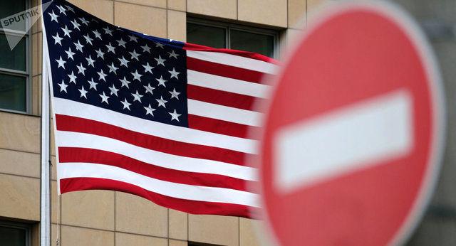 نگرانی منوچین از اعتیاد آمریکا به تحریم