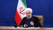 رئیس جمور: مردم ایران در برابر فشارها به زانو درنمیآیند / علیرغم تحریم و گرانی، مشکلات حاد و بحرانی هم نمیبینیم