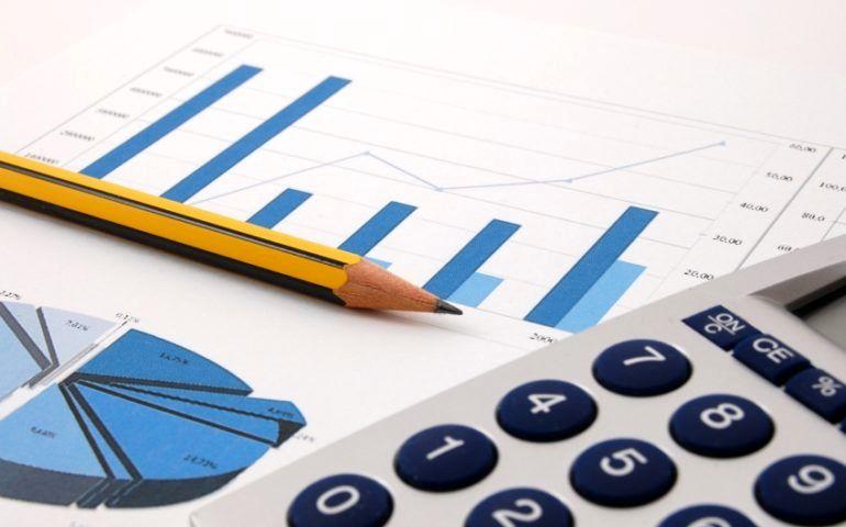 فعالیتهای مولد اولویت اصلی در تخصیص بودجه باشد