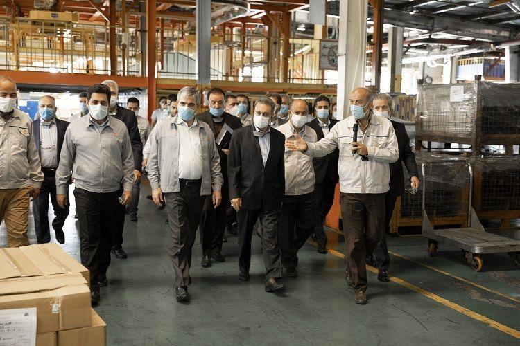 مدیر عامل بانک ملت: نوآوری و تولید محصولات جدید در شرایط تحریم کار بزرگی است