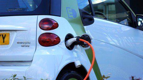 امضای تفاهمنامه برای تولید خودروی برقی در ایران