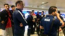 تفتیش موبایل والیبالیستهای تیم ملی توسط ماموران فرودگاه شیکاگو