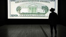 صعود نیرومند دلار در معاملات جهانی
