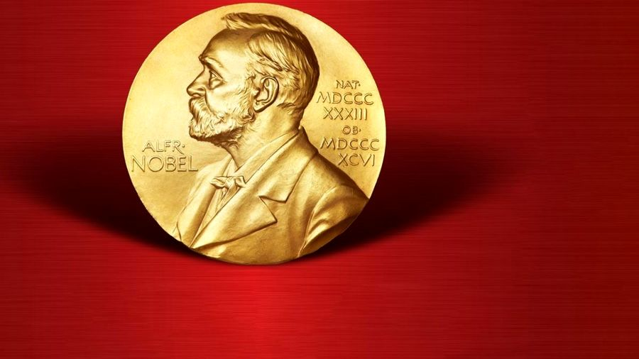 جایزه نوبل ۲۰۱۹ در  اقتصاد: دو نکته مثبت و یک نکتهی انتقادی